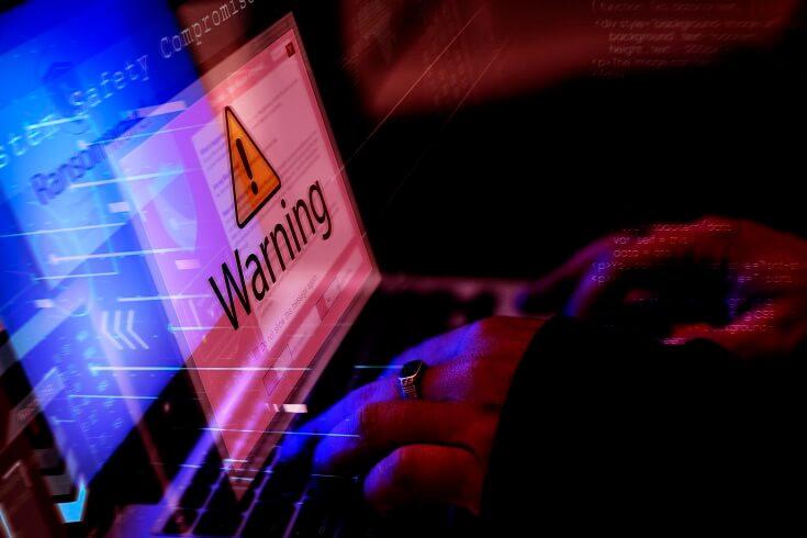 Mensaje de advertencia al ingresar datos en computadora