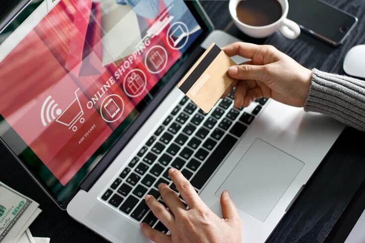 Cliente elige opción de pago en línea