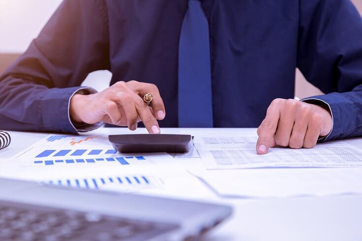 El auditor calcula el impuesto según la organización