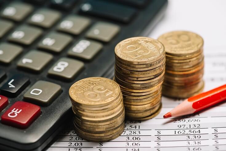 Cuentas, calculadora y dinero
